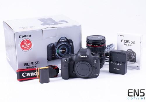 Canon EOS 5D Mark III 35mm Digital SLR Camera 24-105 F/4 kit Mint - 7945 Shots