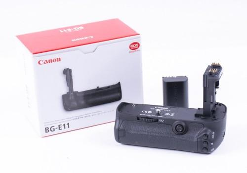 Canon BG-E11 Battery grip for 5D Mark III Boxed Superb!