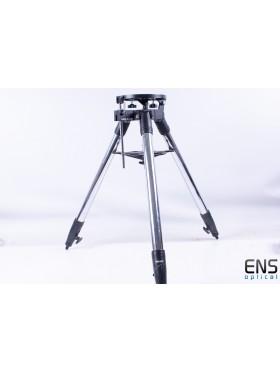 Meade #884 Deluxe Field Tripod with Built in Wedge