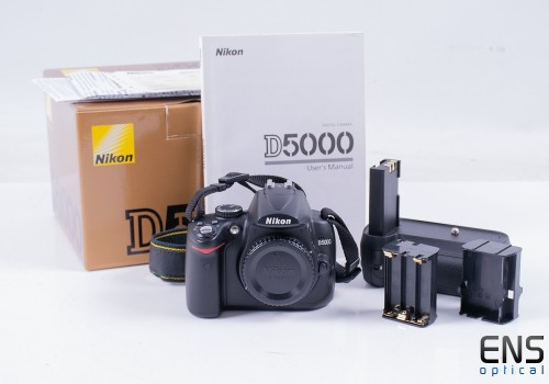 Nikon D5000 12.3mp Digital SLR Camera (Body Only)