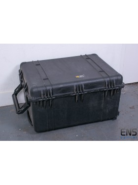 Peli 1630 Waterproof Plastic Equipment case With Wheels, 444 x 794 x 615mm