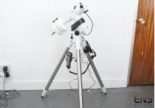 Skywatcher EQ5 Pro Mount & Tripod with Synscan Goto Controller - Superb