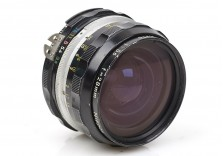 Nikon 28mm f/3.5 Ai Nikkor-H wideangle prime lens  6483875