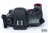 Canon 7D Mk II 21MP Digital DSLR Camera Body Bundle - Mint boxed 1586 Shots!
