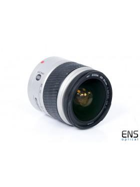 Konika Minolta 28-80mm f/1:3.5-5.6 AF zoom lens  02208766