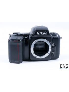 Nikon F-601 AF 35mm SLR Film Camera Black - JAPAN 3211720